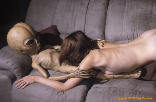 Секс фото с пришельцем